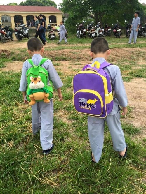 Theo chân các cô ấm cậu chiêu Hà Nội lên chùa tham dự khóa tu mùa hè - Ảnh 1