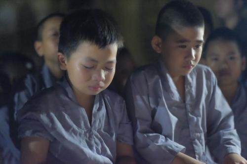 Theo chân các cô ấm cậu chiêu Hà Nội lên chùa tham dự khóa tu mùa hè - Ảnh 11
