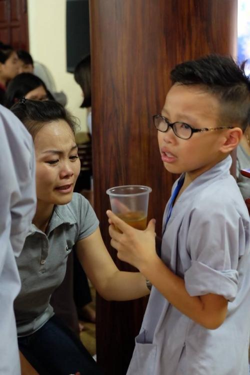 Theo chân các cô ấm cậu chiêu Hà Nội lên chùa tham dự khóa tu mùa hè - Ảnh 16