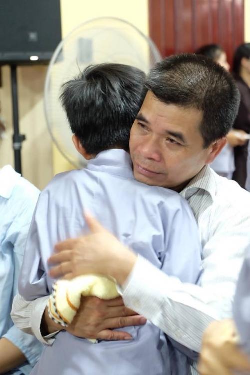 Theo chân các cô ấm cậu chiêu Hà Nội lên chùa tham dự khóa tu mùa hè - Ảnh 17