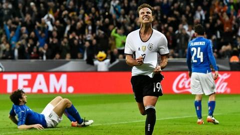 Goetze ăn mừng bàn thắng cho ĐT Đức