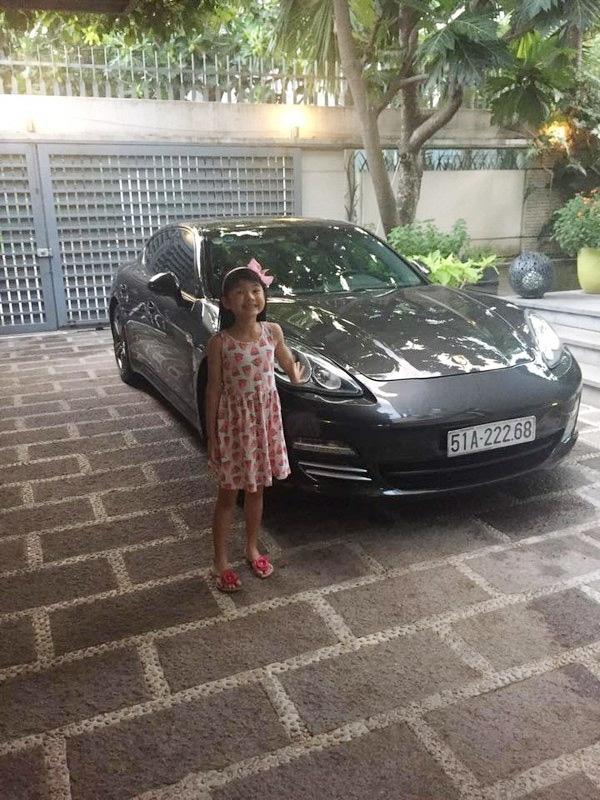 Trần Bảo Sơn tặng con gái xe hơi hơn 5 tỷ đồng nhân dịp sinh nhật.
