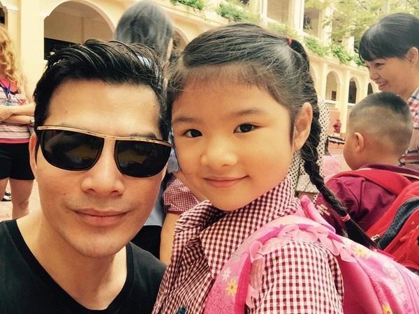 Bé Bảo Tiên được theo học trường quốc tế và biết nói 3 ngoại ngữ.