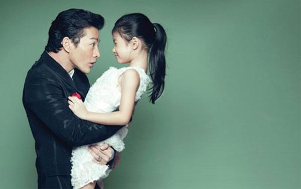 Mặc dù Trương Ngọc Ánh và Trần Bảo Sơn đã chia tay nhưng 2 ngôi sao vẫn luôn dành sự yêu thương hết mực cho bé Bảo Tiên.