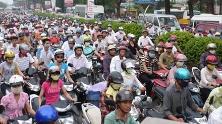 Giao thông công cộng không đạt 30% nhu cầu thì không thể cấm xe máy. Ảnh: T.Đảng.