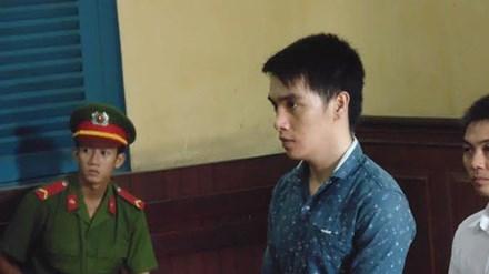 Trốn nã sau 7 năm, Đỗ Duy Thành tại phiên tòa phúc thẩm sáng nay 29/6. Ảnh: Tân Châu