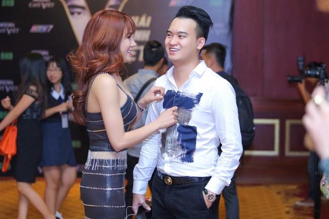 Clip: Diệp Lâm Anh khóa môi nồng cháy với bạn trai tại Hàn Quốc - Ảnh 4.