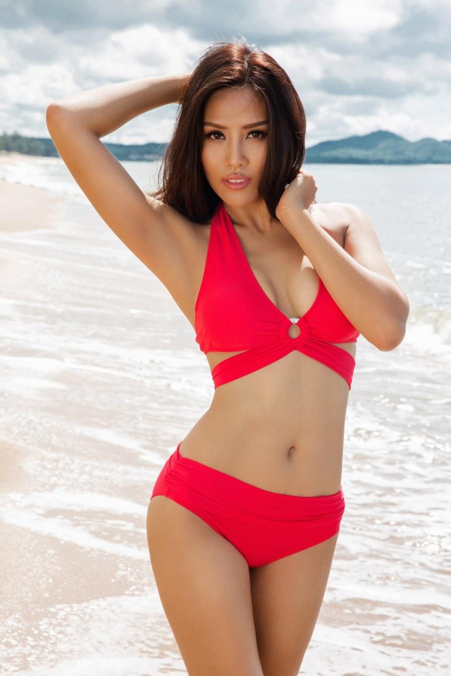 Nguyen Thi Loan dien bikini nong bong hinh anh 7