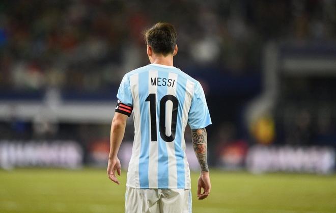 Phía sau chuyện Messi úp mở đòi rời Argentina - Ảnh 1.