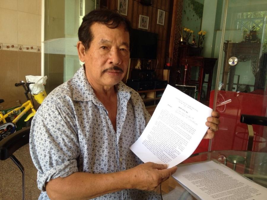 Ông Phạm Văn Hiệp trình bày sự việc cháu mình bị bắt đi