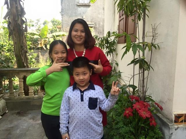Chị Trang và các con