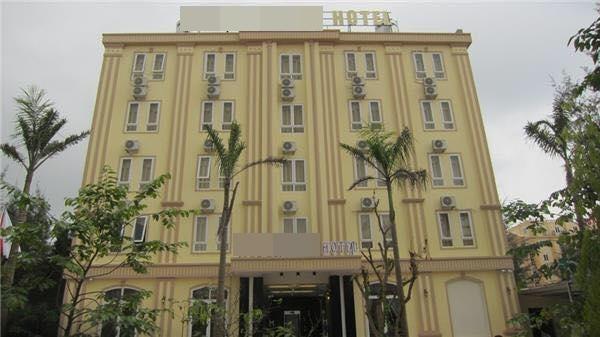 Thanh tra khách sạn bị tố ngắt điện phòng, đuổi hơn 30 khách - Ảnh 1.