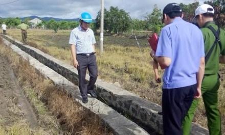 Công an tỉnh Gia Lai kiểm kênh mương