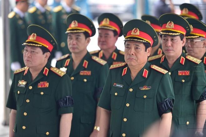 Tang le cap cao danh cho phi hanh doan CASA-212 hinh anh 3