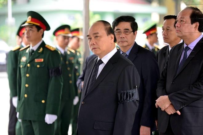 Tang le cap cao danh cho phi hanh doan CASA-212 hinh anh 1