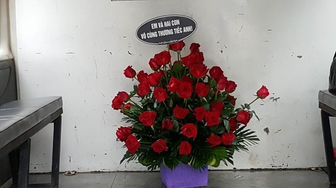 Nuoc mat tuon roi trong tang le phi hanh doan CASA-212 hinh anh 1