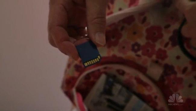 Gặp gỡ chú chó chỉ cần ngửi cũng nhận biết được phim sex lưu trong thẻ nhớ - Ảnh 5.