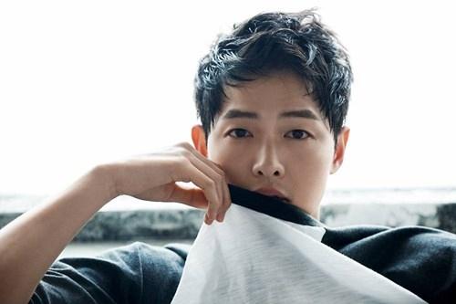 Công ty quản lý phủ nhận tin Song Joong Ki có bạn gái bí mật - Ảnh 2.