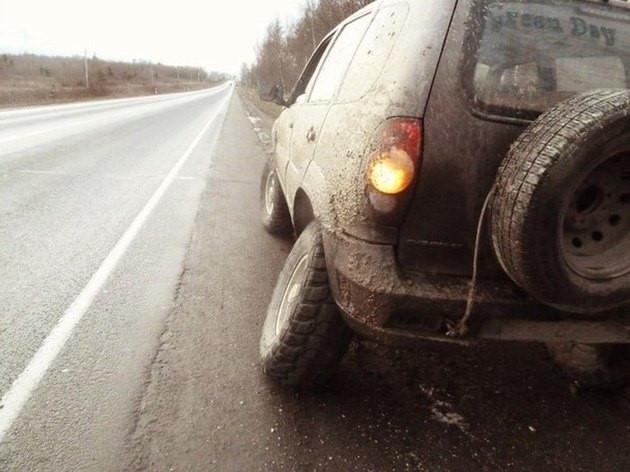 Dùng khúc gỗ thay bánh ôtô chạy thêm được 120km - ảnh 3