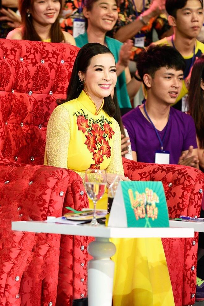 Hoc tro Hoai Linh dung chan sau nhieu tuan bi Tran Thanh che hinh anh 8