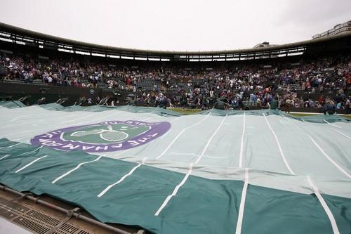 Wimbledon còn khổ vì mưa thêm vài mùa nữa