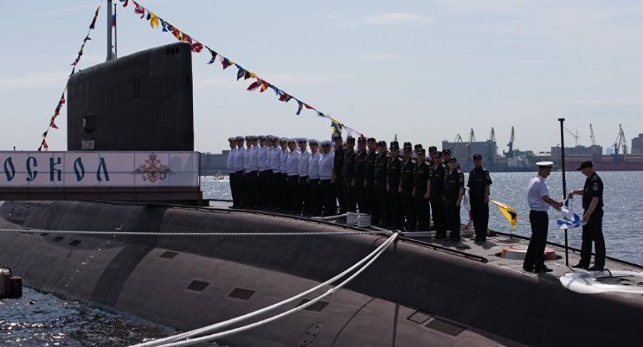 Tàu ngầm Staryi Oskol của Hải quân Nga (Ảnh: Sputnik)
