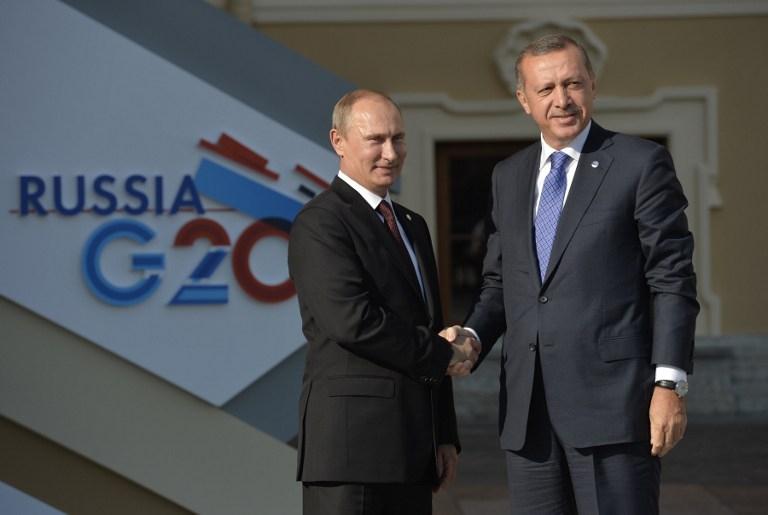 Tổng thống Nga Vladimir Putin (trái) và Tổng thống Thổ Nhĩ Kỳ tại Hội nghị thượng đỉnh G20 năm 2013 tại Saint Petersburg, Nga (Ảnh: AFP)