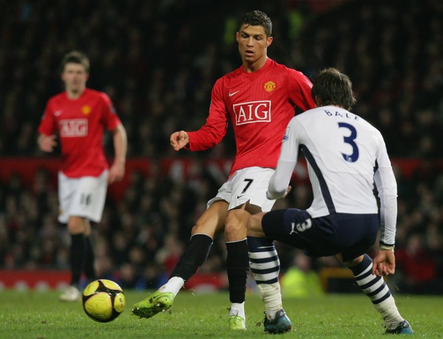Gareth Bale chưa một lần đánh bại được C.Ronaldo