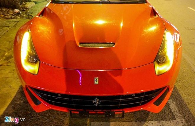Sieu xe Ferrari F12 nhap tu Dubai ve Viet Nam hinh anh 4