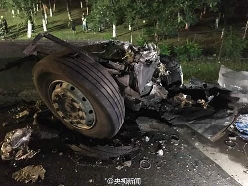 Tai nạn xe buýt thảm khốc trên cao tốc, 26 người chết - ảnh 8