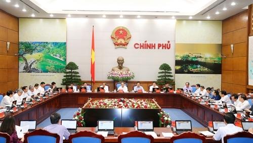 Phiên họp thường kỳ tháng 6 của Chính phủ được tổ chức trực tuyến với 63 tỉnh thành cả nước.
