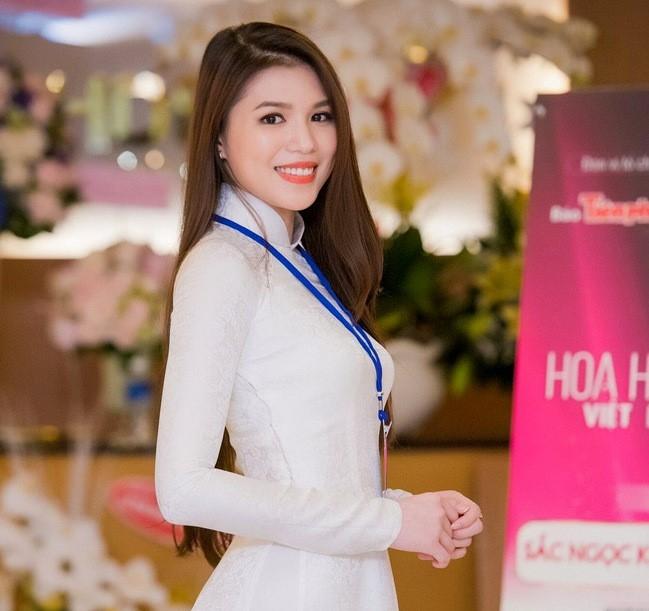 4 hot girl Viet thu thach ban than tren san catwalk hinh anh 11