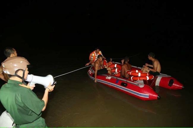Ba nữ sinh tình nguyện của trường Đại học Ngoại thương bị lũ cuốn mất tích - Ảnh 5.