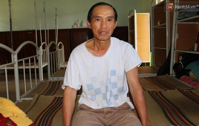 Cha bán lúa, vượt gần 90km đưa con mù đi chinh phục ước mơ trở thành kĩ sư công nghệ - Ảnh 4.