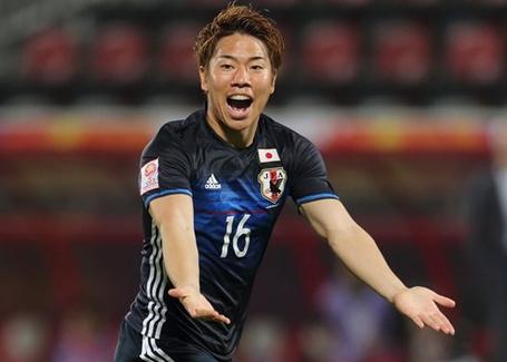 Takuma Asano sắp tới thi đấu cho Arsenal