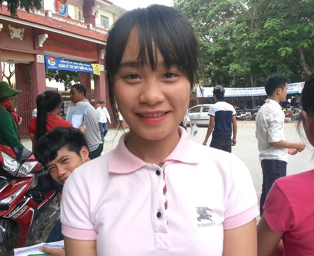 Em Hà Thị Hậu, dự thi vào Trường Trung cấp An ninh chia sẻ (Ảnh: Nguyễn Duy)