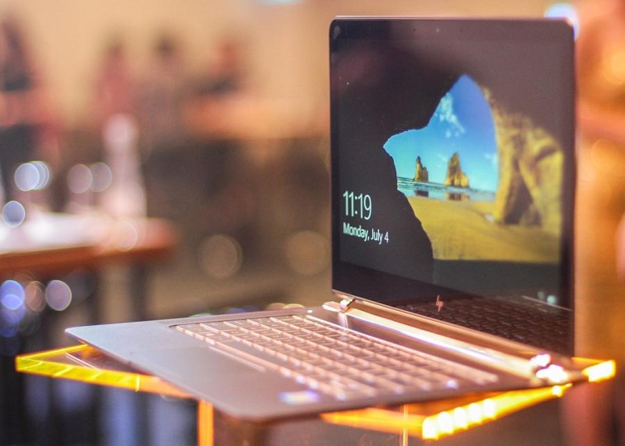 HP Spectre - Laptop mỏng nhất thế giới.