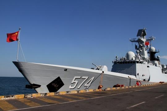 Tàu Hải quân Trung Quốc trong một lần tập trận chung với Campuchia hồi tháng 2. Ảnh: REUTERS