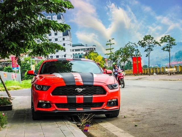 Ford Mustang 2015 của tay chơi Lào Cai lúc chưa phẫu thuật.