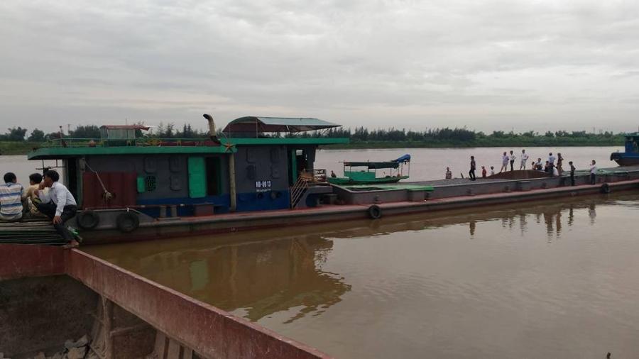 thai binh: hai tàu dá dam nhau tren song, 4 nguoi tu vong hinh anh 1