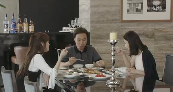 Doctors: Tức cảnh sinh tình, Kim Rae Won khóa môi Park Shin Hye dưới mưa - Ảnh 27.