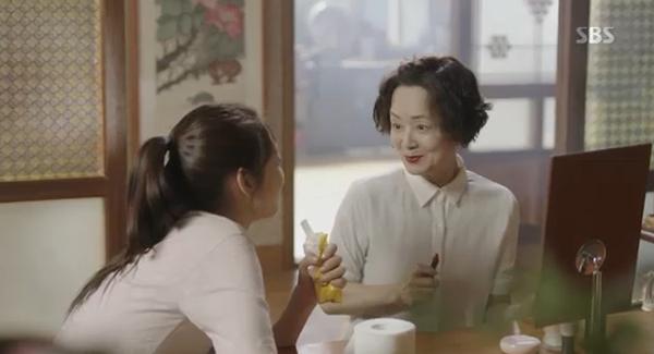 Doctors: Tức cảnh sinh tình, Kim Rae Won khóa môi Park Shin Hye dưới mưa - Ảnh 36.