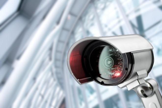 Hang nghin camera an ninh bi hack va bien thanh may ma hinh anh 1