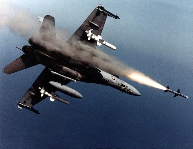 Ly do Viet Nam nen chon F/A-18E/F thay vi mua them Su-30-Hinh-4