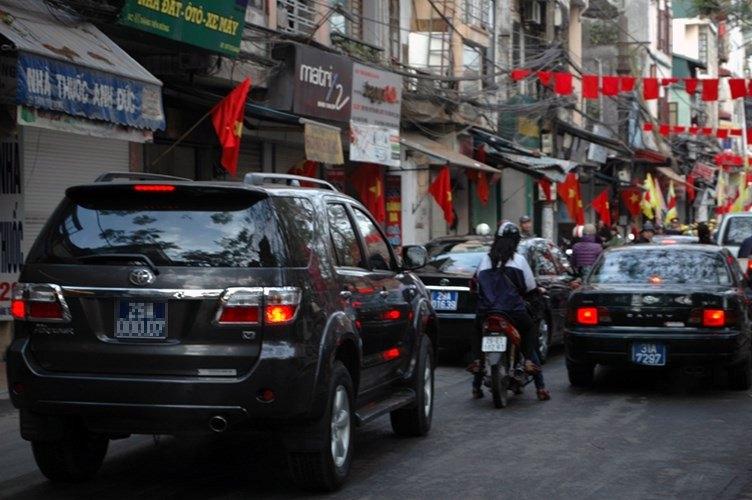 Ô tô, xe công, xe biển xanh, ô tô công, thanh lý xe công, đấu giá xe công, xe cũ, khấu hao xe, xe cá nhân