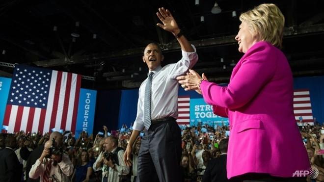 Obama noi da san sang 'chuyen gay tiep suc' cho ba Clinton hinh anh 1