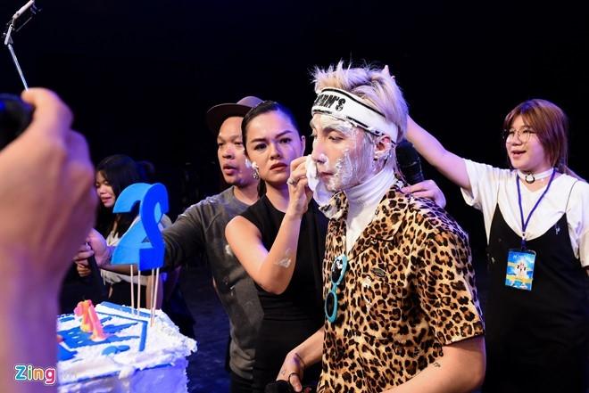 Son Tung M-TP thua nhan co ban gai trong tiec sinh nhat hinh anh 16