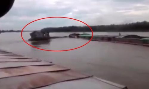 tàu bị đâm chìm trên sông Hồng