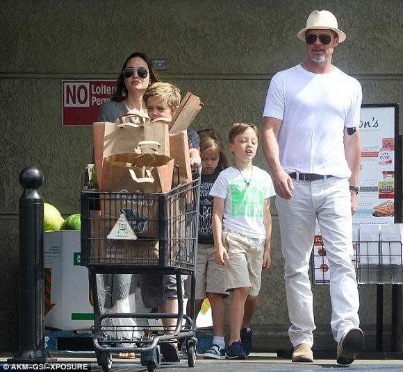 Angelina Jolie và Brad Pitt xuất hiện bên nhau đập tan tin đồn ly hôn 2