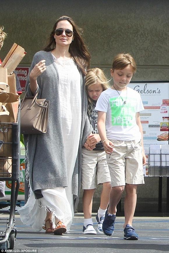 Angelina Jolie và Brad Pitt xuất hiện bên nhau đập tan tin đồn ly hôn 7